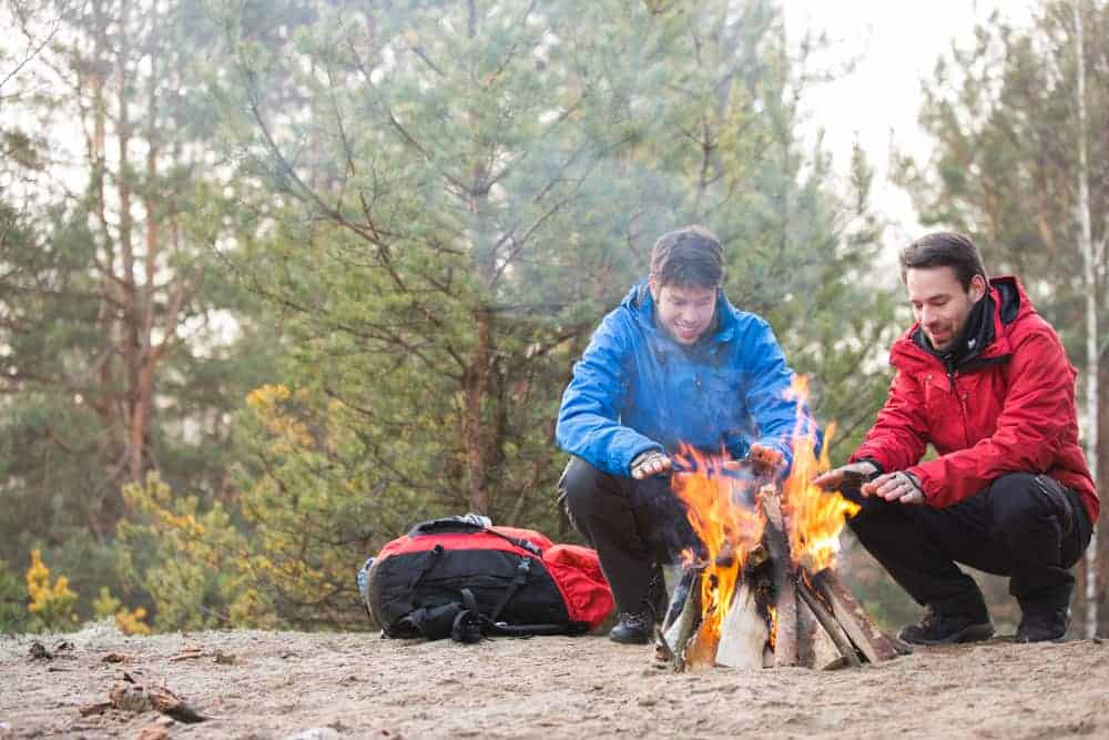 Venture Thrill_Starting a Campfire and Other Winter Camping Tips